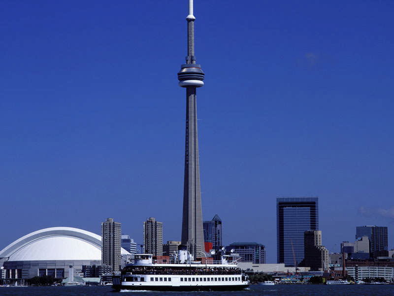 how to travel from toronto airport to niagara falls