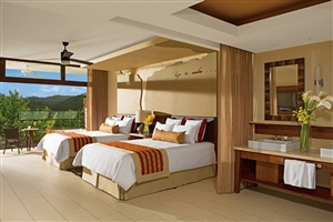 Junior Suite Mountain Jungle View