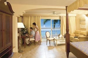 Colonial Junior Suite