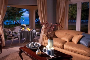 Honeymoon Beachfront Walkout Room