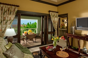 Butler Village Poolside/Butler Village Honeymoon Poolside One Bedroom Butler Villa Suite