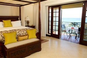 Honeymoon Haven One Bedroom Ocean Front Suite