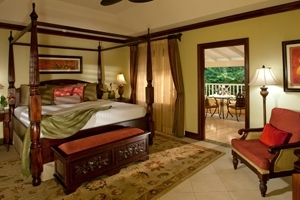 Crystal Lagoon Honeymoon Butler Suite