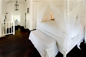 Superior Luxury Sugar Mill Room