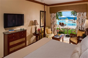 Emerald Oceanview Walkout Room