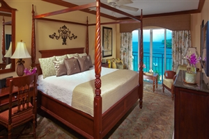 Emerald Honeymoon Oceanview Room
