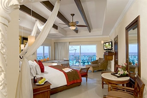 Royal Corner Suites Oceanfront