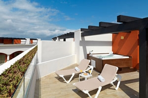 Deluxe Platinum Grand Sky Terrace One Bedroom - Hacienda