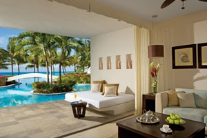 Preferred Club Junior Suite Swim-Up Ocean View