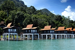 Premier Chalet On Water
