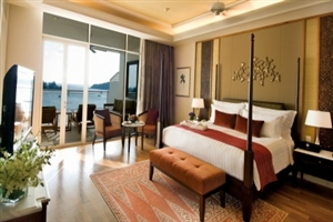 Grand Viceroy Top Floor Sea View