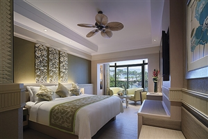 Family Pool View Room
