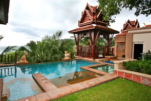 One Bedroom Diamond Pool Villa
