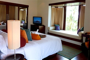 Deluxe Seaview Suite