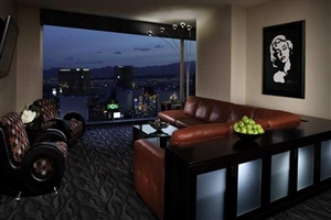 Book your stay at elara a hilton grand vacations hotel in las vegas for Elara las vegas 4 bedroom suite