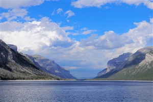 Lake Minnewanka - click to expand