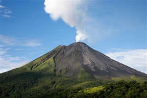 8 Day Costa Rica Volcano and Beach Discovery