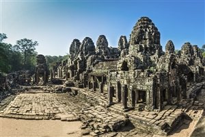Bayon temple - click to expand