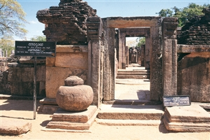 Polonnaruwa - click to expand