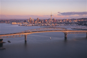 Auckland Bridge - click to expand